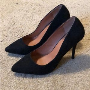 Shoes - Black heels sz 8.5 Barely worn